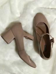 Sapato boneca Arezzo, nr 35
