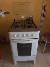 Título do anúncio: Fogão 4 bocas eo forno Funcionando normalmente,  ACEITAMOS CARTÕES E PIX!