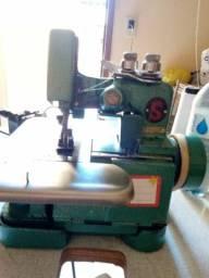 Título do anúncio: Máquina de costura Singer galoneira