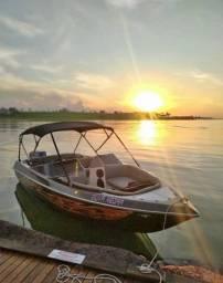 Título do anúncio: Barcos e Lanchas - Parcelas em Até 120 Meses
