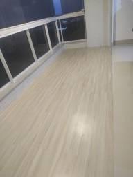 Realize instaladores capacitados e treinados de fabrica piso vinílico, piso laminado