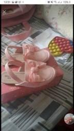 Título do anúncio: Sapato menina rosa