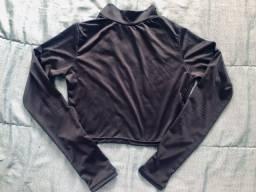 Cropped manga longa preto tamanho unico