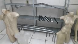 Vende-se maniquins , araras,é uma vitrini, é duas peças de provador ,e uma pratilheira