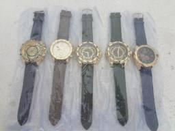 Relógios Dourados Pulseira de Couro, 70 Reais. Desconto Para Duas ou Mais Unidadesai