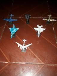 c45a1d12fb Coleção de 6 Mini Aviões - Leia a Descrição - Valor Negociável!