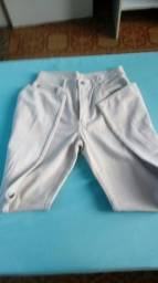 Calça comprida de brim clara tamanho 42