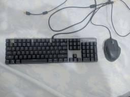 Teclado mecânico + mouse gamer