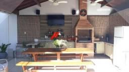 Casa de luxo na ilha com 04 quartos e área gourmet completa