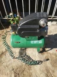 Compressor de  30 litros funcionando perfeitamente