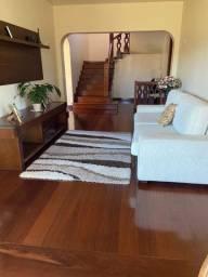 Casa com 05 quartos , sendo 03 suítes - Samambaia - Petrópolis - RJ