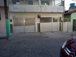 Vende-se casa escriturada em Garanhuns-PE