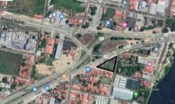 Amplo terreno localizado no Tabapua com 2.200m², excelente para todos os tipos de negócios