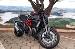Ducati Diavel Carbon 2013 Impecável