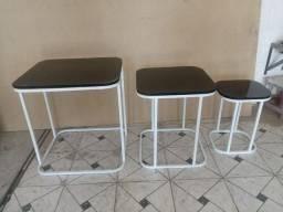 Conjunto de mesas quadrada com tampa em mdf espelhado.