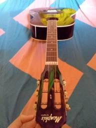 Vendo violão clássico  400 reais