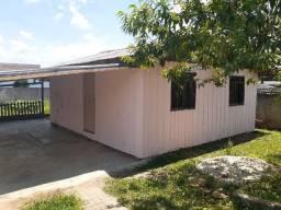 Alugo casa individual com quintal espaçoso e garagem