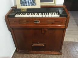 Órgão J. Edmundo Bohn S/A