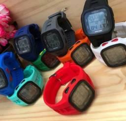 Título do anúncio: Relógio surf digital R$65,00 original aprova d'água