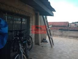 Casa com 2 lojas e 3 barracões a venda no bairro Carlos Prates em BH