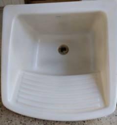 Título do anúncio: Tanque de Louça para Lavar Roupa Branco Esmaltado Icasa R$250!!!- Retirada na Asa Norte
