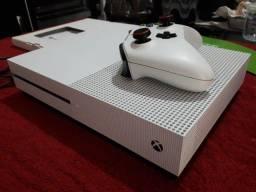 Xbox One S 500gb + 2 jogos