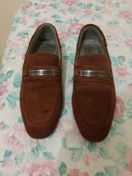 Título do anúncio: Sapato CALVIN KLEIN em COURO.