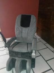 Uma cadeira de massagem elétrica  funcionando  valor 1mil 300