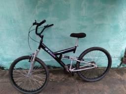 Bicicleta aro 26 / com amortecedor