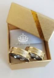 Alianças douradas para casamento & noivado