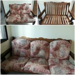 Título do anúncio: Sofá de madeira maciça ,  2 e 3 lugares.