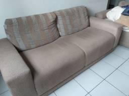 Conjunto de sofá,  02 e 03 lugares.