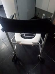 Título do anúncio: Cadeira de banho semi nova