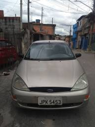 Ford Focus 1.8 16V 5p. FORD. Ano. 2002