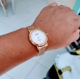 Relógio magnum Stell resistente a água.