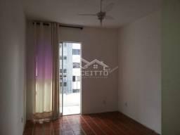 Apartamento 1/4 , sala, cozinha bar com armários, banheiro com blindex