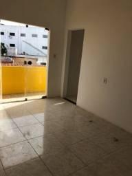 Centro de Lauro apartamento alugando stilo casa, cômodos grandes?