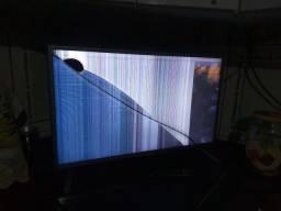 Tv  32 LG pra peças tela trincada