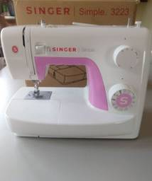 Máquina Singer Simple 3223