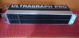 Equalizador Behringer - Ultragraph PRO- FBQ3102