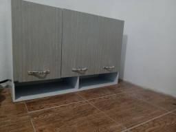 Armário superior de cozinha.