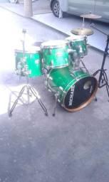 Vendo bateria Michael