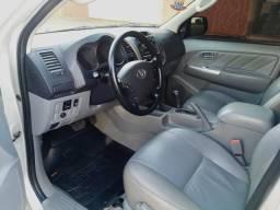 Toyota Hilux 3.0 SRV 4x4 ano 2012 - 2012