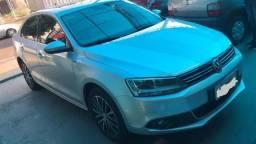 Volkswagen Jetta TSI 4P - 2011