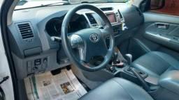 Vendo Hilux 2013 srv 4x4 Diesel na cor branca - 2013