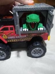 Dino Truck Com Som Luz E Movimento