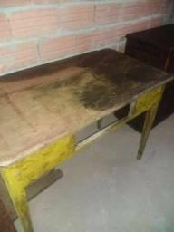 Mesa e cômoda antiga para uzar ou para decoração