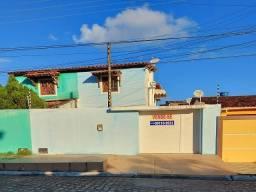 Vende-se Excelente Casa com Pavimento Superior e Inferior no Condomínio Eldorado, Feitosa!