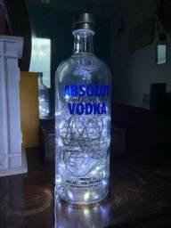 Luminária de garrafa de vodka