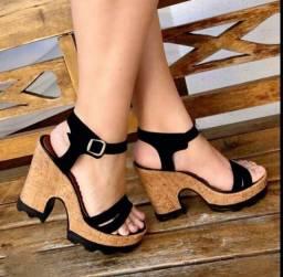 Sandália leve e confortável